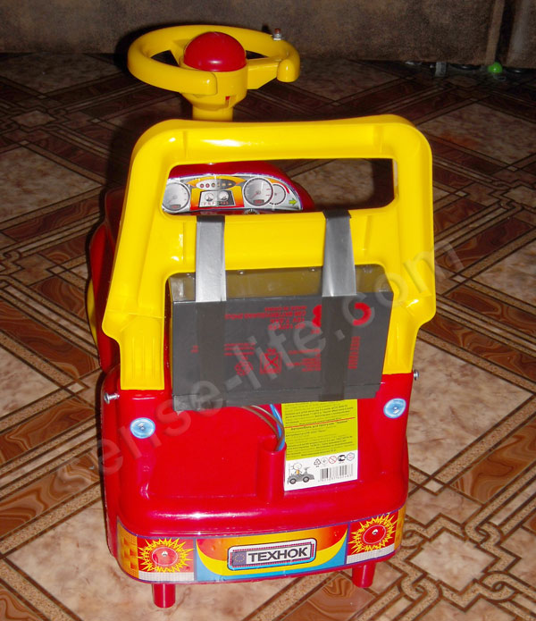 крепление гелевого аккумулятора к детскому электромобилю