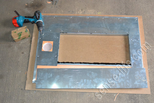 оббивка дверей инкубатора оцинковкой