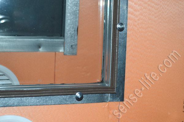 установка стекла на дверь инкубатора