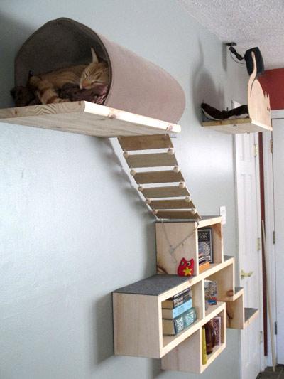 самодельный домик-полка для кошек